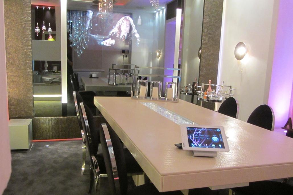 Restaurant lighting solutions image